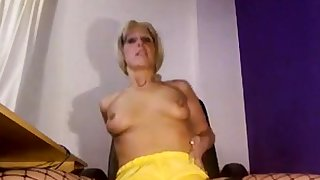Sexy MILF Pissing on frightened shorts