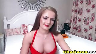 Good Looking shemale clamp gets playfull and kinky live